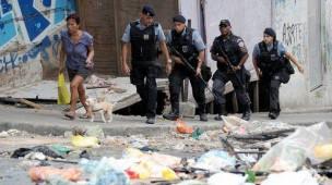policia-favela-sociologia